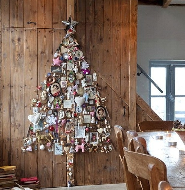This DIY wall Christmas tree is super cute - has a shabby chic look to it.  Very creative!