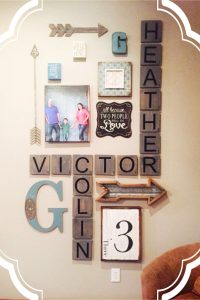 LOVE these ideas! DIY scrabble tile wall art. Perfect for farmhouse decor, rustic decor, country decorating and more.
